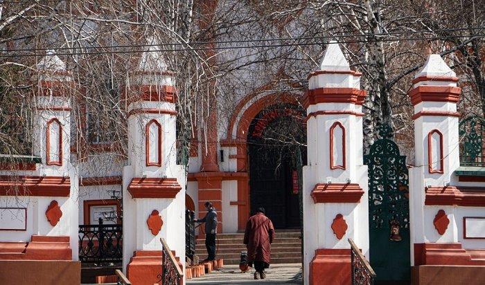Доступ прихожан ограничили вхрамах Иркутской области (трансляция Пасхального богослужения)