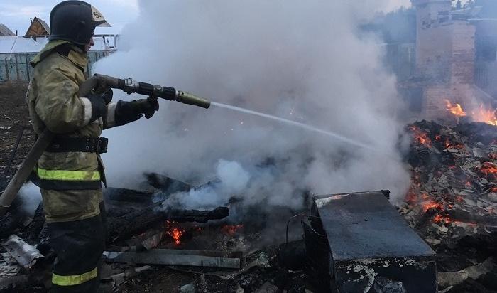 Два человека погибли напожаре всадоводстве «Мечта» Зиминского района