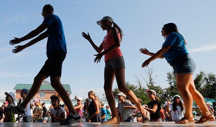 Минпросвещения рекомендует открыть летние лагеря с1июля