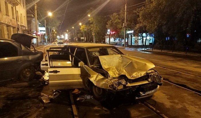 Водитель «Лады», лишенный прав, устроил ДТП вцентре Иркутска