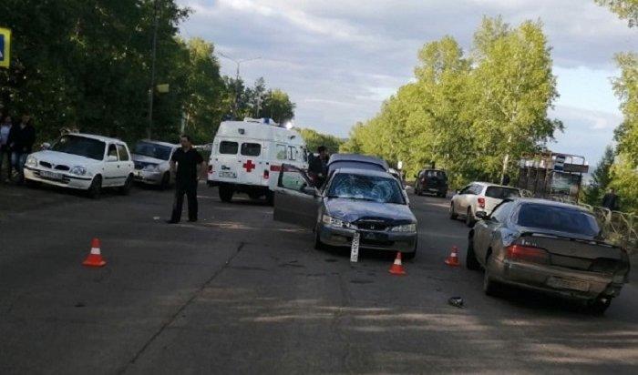 Жительницу Усть-Илимска иее6-летнюю дочь сбили напешеходном переходе
