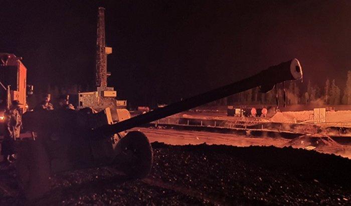 Пожар нанефтяной скважине вУсть-Кутском районе потушили спомощью противотанкового оружия (Видео)