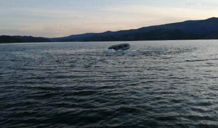 Водолазы будут искать пропавшего вМухорском заливе Байкала рыбака