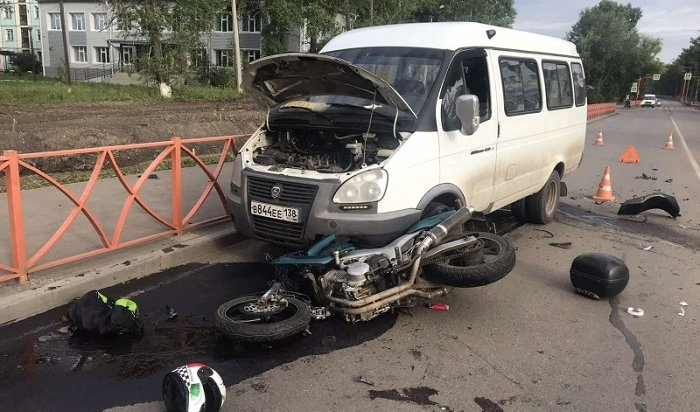 Мотоциклист погиб вЧеремхово при столкновении савтобусом и«Газелью»