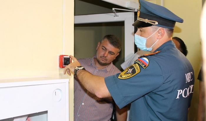 При проверке многоэтажек вОктябрьском районе Иркутска выявили нарушения