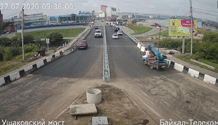 Движение поУшаковскому мосту открыли для легковых машин имаршруток