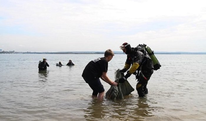 Дайверы подняли содна Иркутского водохранилища порядка 500кготходов