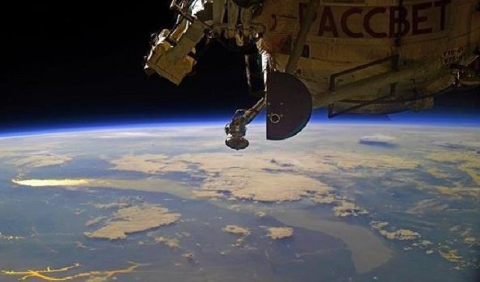 Космонавт Иван Вагнер снял рассвет над Байкалом сборта МКС