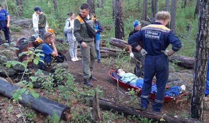 Туриста, упавшего соскальника Идол, вчера эвакуировали спасатели