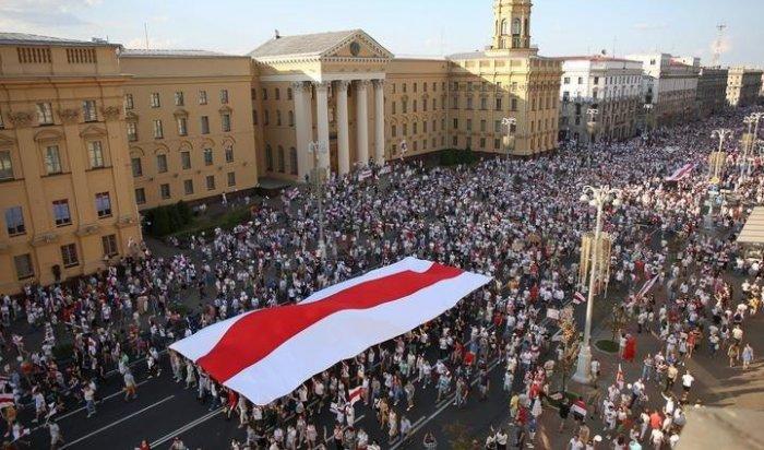 Митинги заЛукашенко ипротив него: воскресенье вБеларуси (Видео)