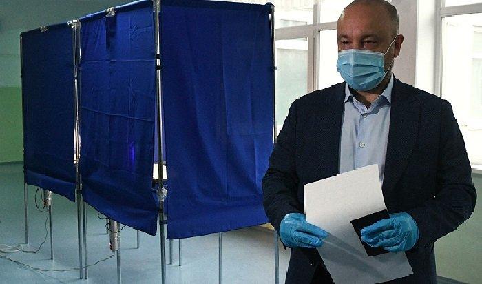 Михаил Щапов провел пресс-конференцию поитогам выборов губернатора Иркутской области (Видео)