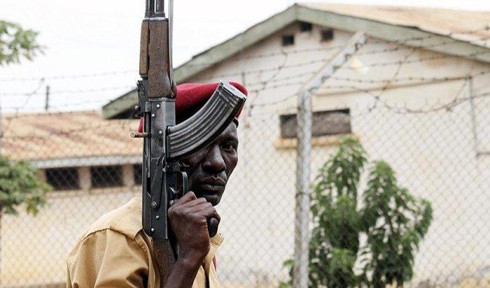 Изтюрьмы вУганде сбежали более 200заключенных