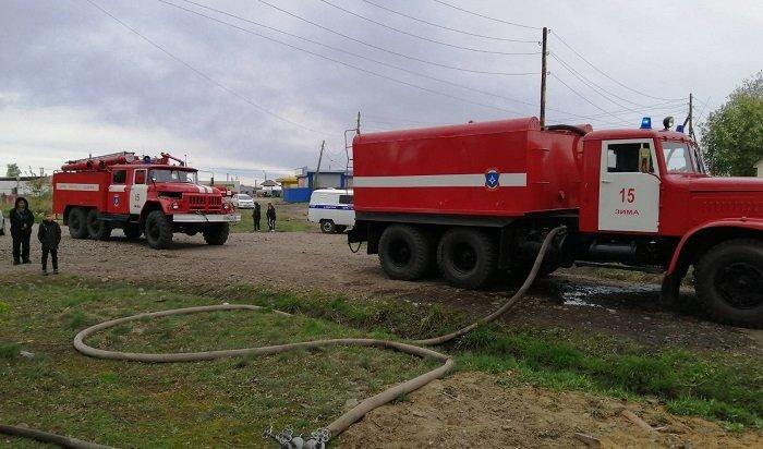 Трое человек спасены и один пострадал на пожаре в городе Иркутске