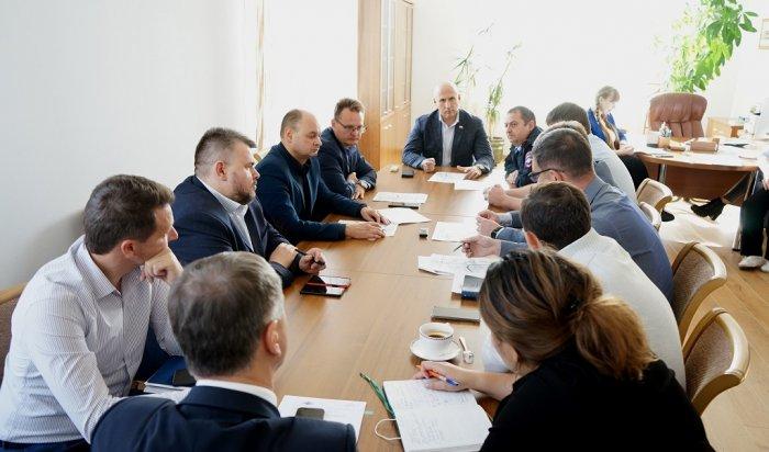 Иркутские депутаты предложили изменить схему движения транспорта навремя ремонта дорог