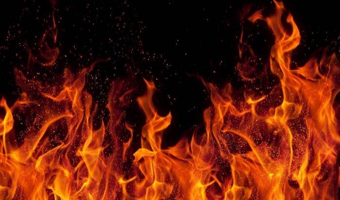 12человек спасли напожаре впятиэтажном доме вАнгарске вчетверг вечером