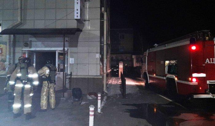 Прошлой ночью вАнгарске горел трехэтажный магазин