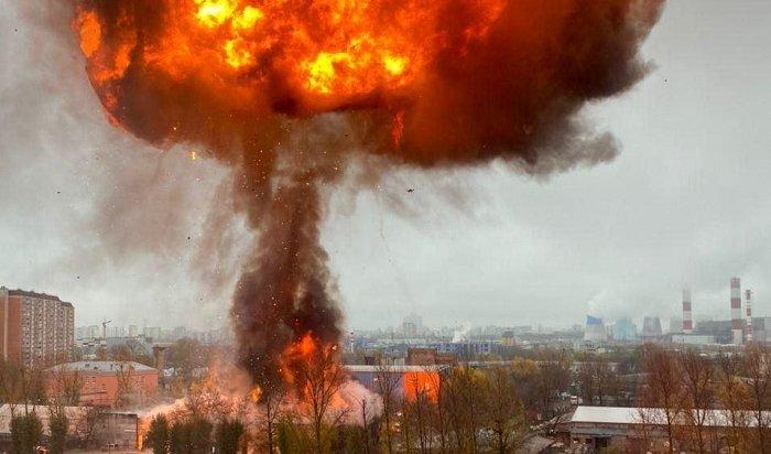 ВМоскве наВаршавском шоссе взорвался склад (Видео)