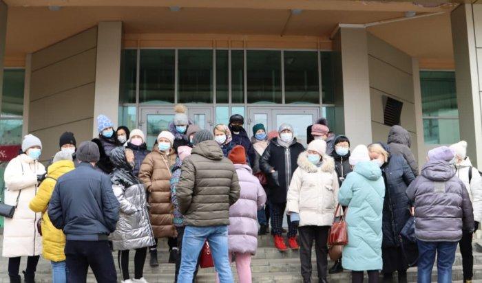 Улан-Удэнские предприниматели протестуют на улице города второй день