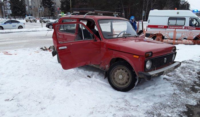 ВСаянске 81-летний водитель «Нивы» умер зарулем автомобиля