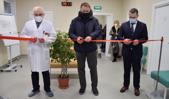 Олег Дерипаска открыл в Сибири пять медицинских центров