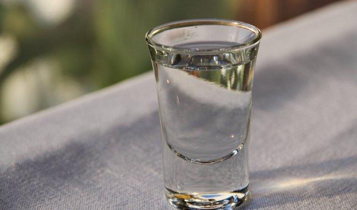 Рюмка— это много: нарколог назвал безопасную дозу алкоголя