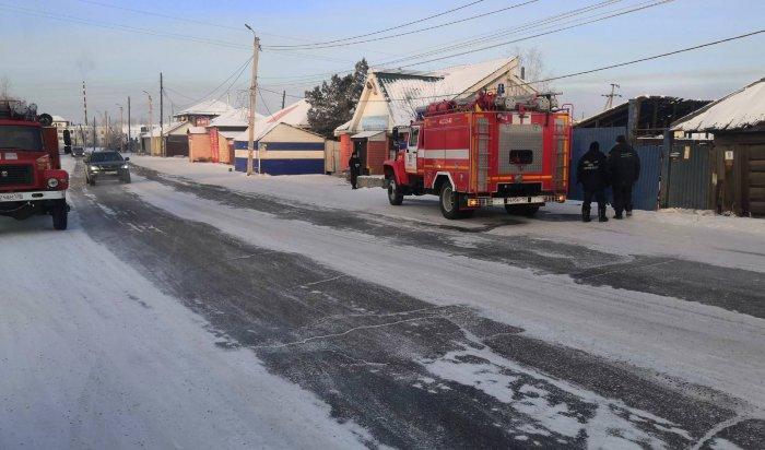 На пожаре в деревянном доме в Иркутске погиб  человек