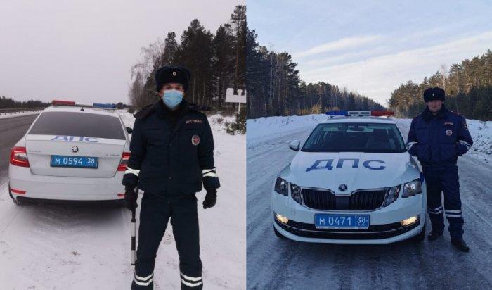 Натрассе Р-255 «Сибирь» спасли дальнобойщиков, замерзших внеисправном грузовике вновогоднюю ночь