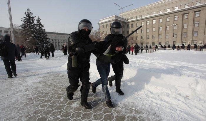 Более пяти тысяч человек повсей России задержали намитинге 31января