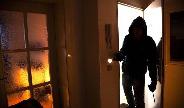В Железногорске-Илимском задержали местного жителя по подозрению в серии квартирных краж