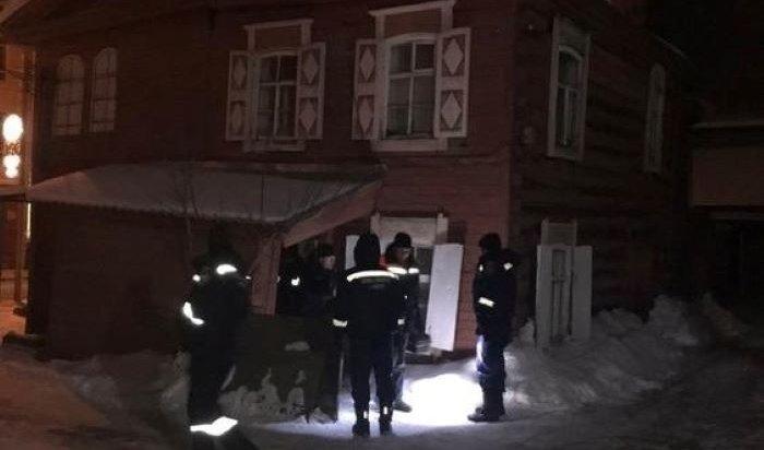 В деревянном доме в Иркутске обрушился потолок
