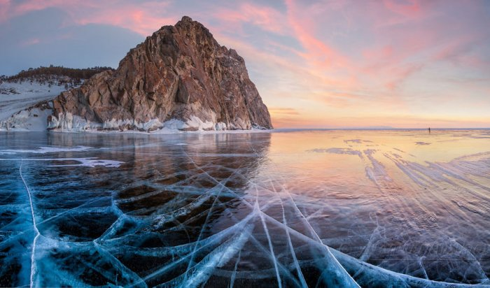 Стали известны самые популярные локации на льду Байкала
