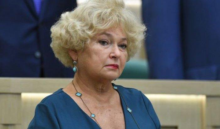 «Бомжового вида люди с непонятными требованиями»: Сенатор Людмила Нарусова - об участниках одиночных пикетов (Видео)
