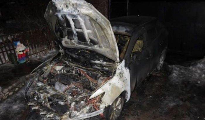 Полиция задержала иркутянина, подозреваемого в поджоге авто своей бывшей начальницы (Видео)
