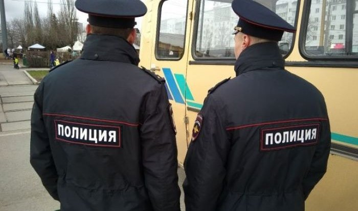 Полиция задержала дебоширов, которые напали на водителя автобуса в Ново-Ленино (Видео)