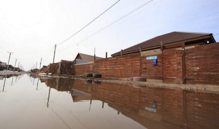 Ситуация по отводу талых вод от жилых домов в селе Хомутово находится на личном контроле Игоря Кобзева