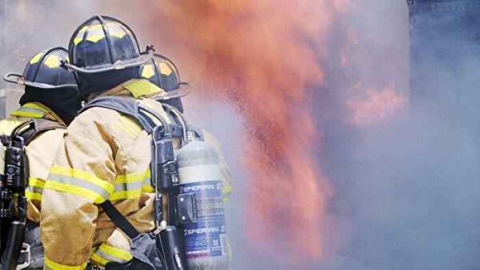 В результате пожара в одном из домов Ангарска пострадали трое человек