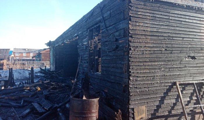 Пофакту гибели двоих детей напожаре вКазачинско-Ленском районе возбудили уголовное дело