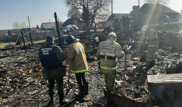 Пять детей погибли на пожаре в Свердловской области