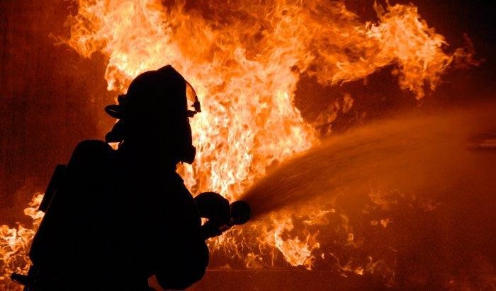 24 дома горят в поселке Дальнем Нижнеилимского района (Видео)