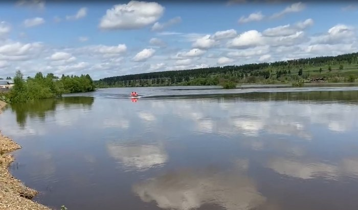 Уровень воды в реке Ия в Тулуне стал опускаться