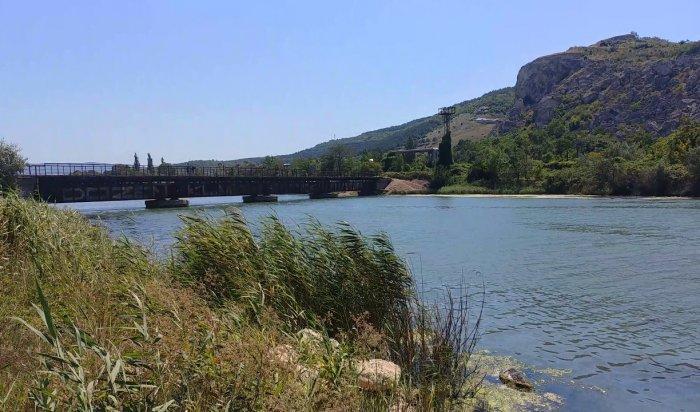 ВКрыму задержали 22-летнего парня, который планировал взорвать ж/д мост