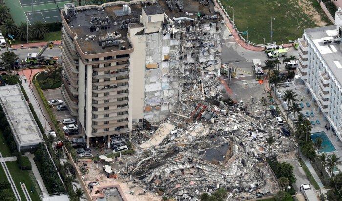 Более 150человек находятся под завалами разрушившегося здания воФлориде