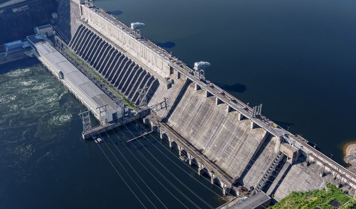 На Иркутской  ГЭС третий раз увеличили сброс воды
