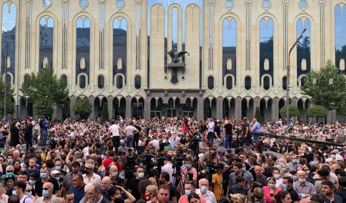 ВТбилиси оппозиция вышла намитинг после смерти журналиста
