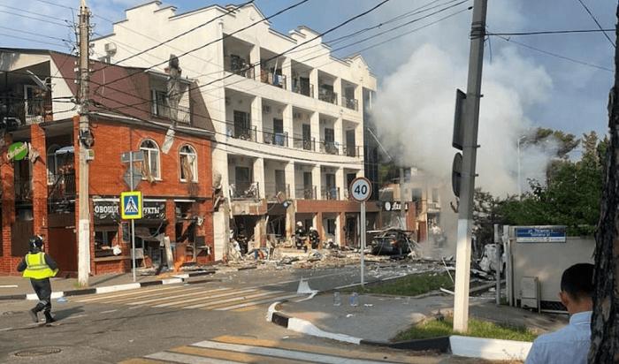 В Геленджике после  взрыва в гостинице ввели режим ЧС