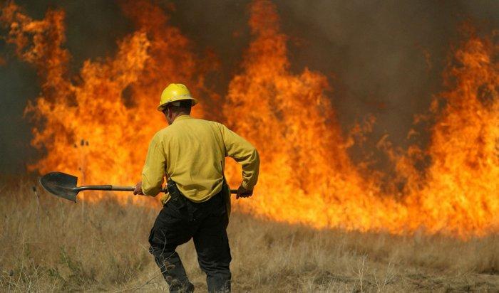 В зону задымления от природных пожаров попадают семь населенных пунктов Иркутской области
