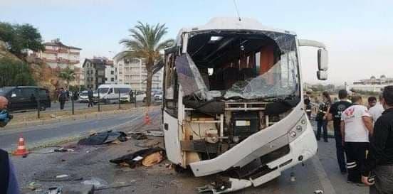Автобус сроссийскими туристами попал ваварию впровинции Анталья (Видео)