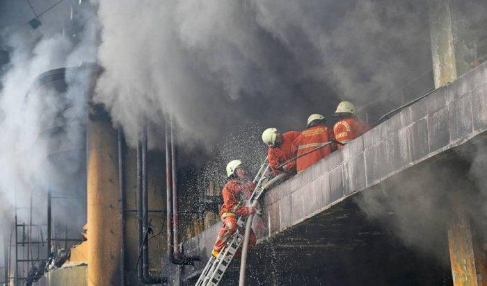 40 человек погибли при пожаре в индонезийской тюрьме (Видео)