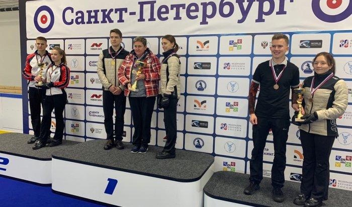 Команда Иркутской области победила на всероссийских соревнованиях по керлингу