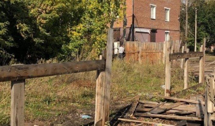 Шесть незаконных сооружений демонтируют в Октябрьском округе
